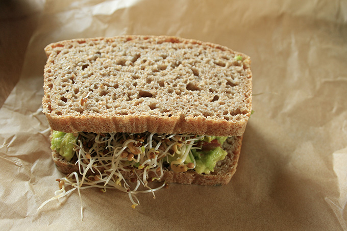 Spelt sandwich with avocado and sprouts