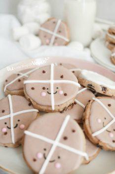 iced hot cross bun cookies